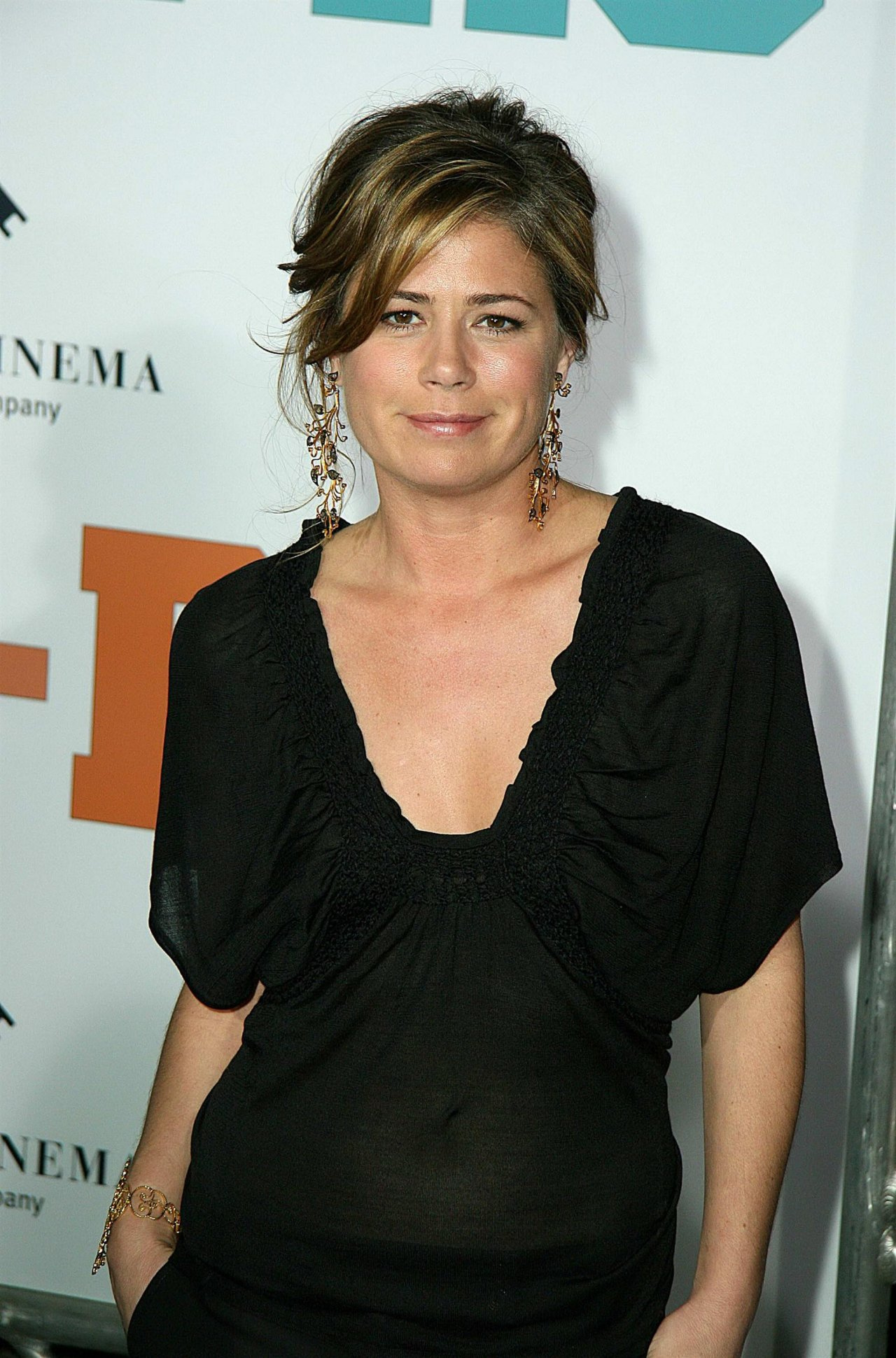 Maura Tierney minister