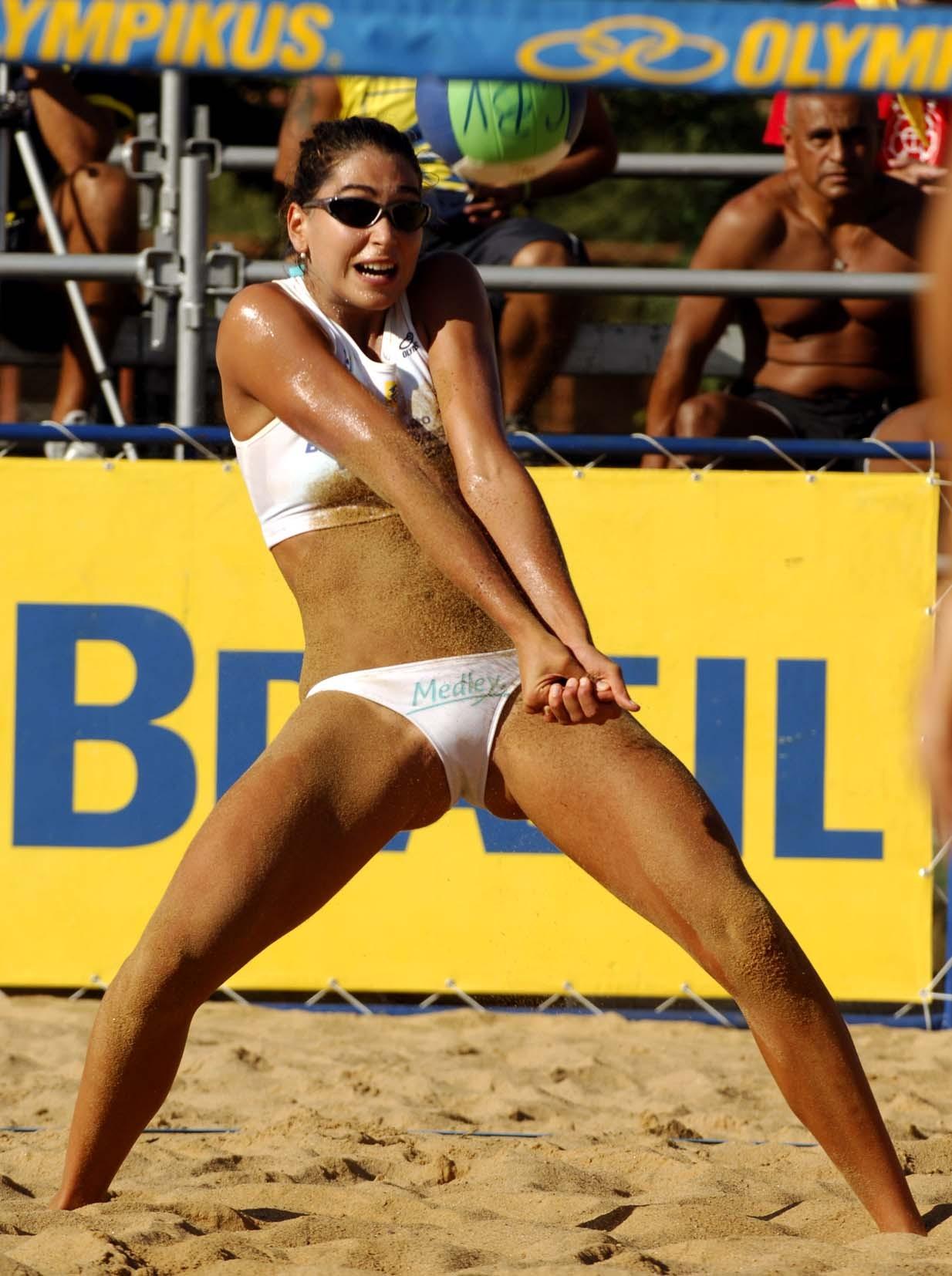 Эротические фото в женском пляжном волейболе 4 фотография