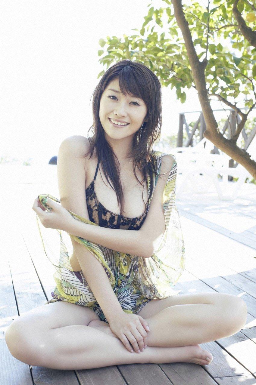 Mikie Hara Nude Photos 36
