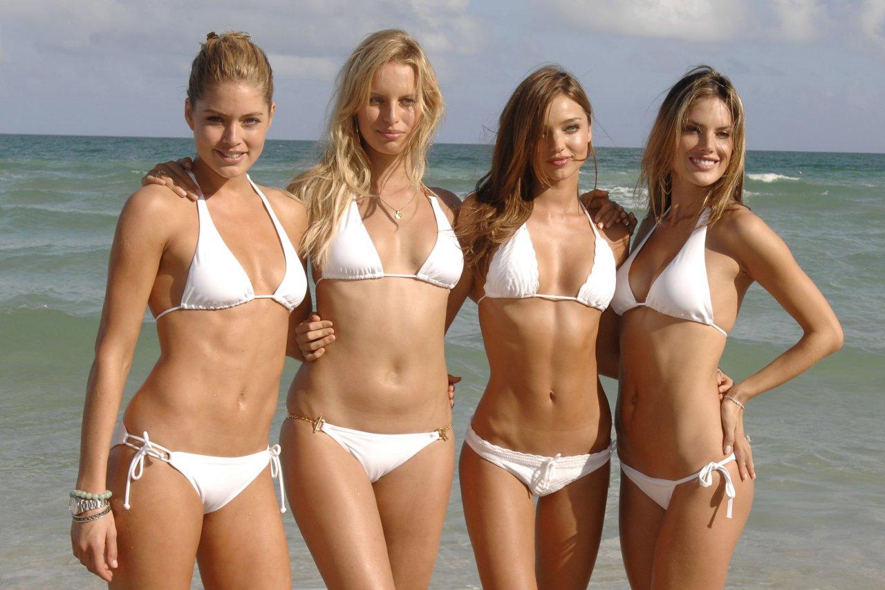 Фото руских девушек в бикини 1 фотография